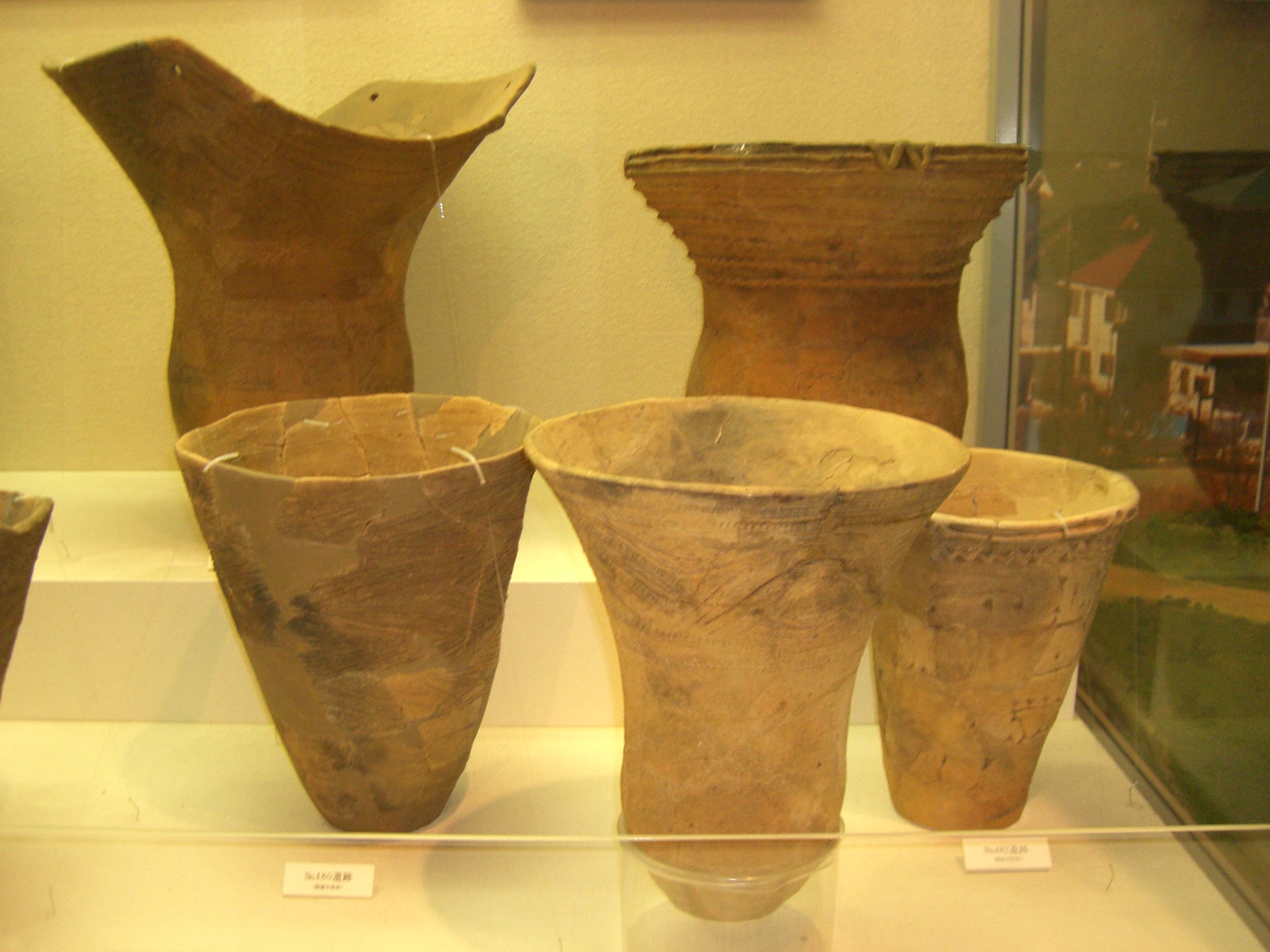 Types of pottery and how to make a jomon pot heritage of japan deep bowls with round bottoms reviewsmspy