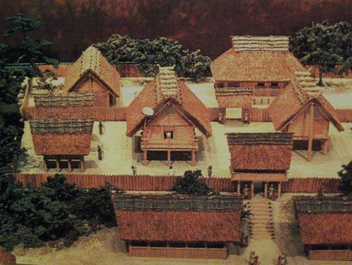 Modelo dos quarteis generais do Yamatai, feito pelo Museu da cultura Yayoi da Prefeitura de Osaka.