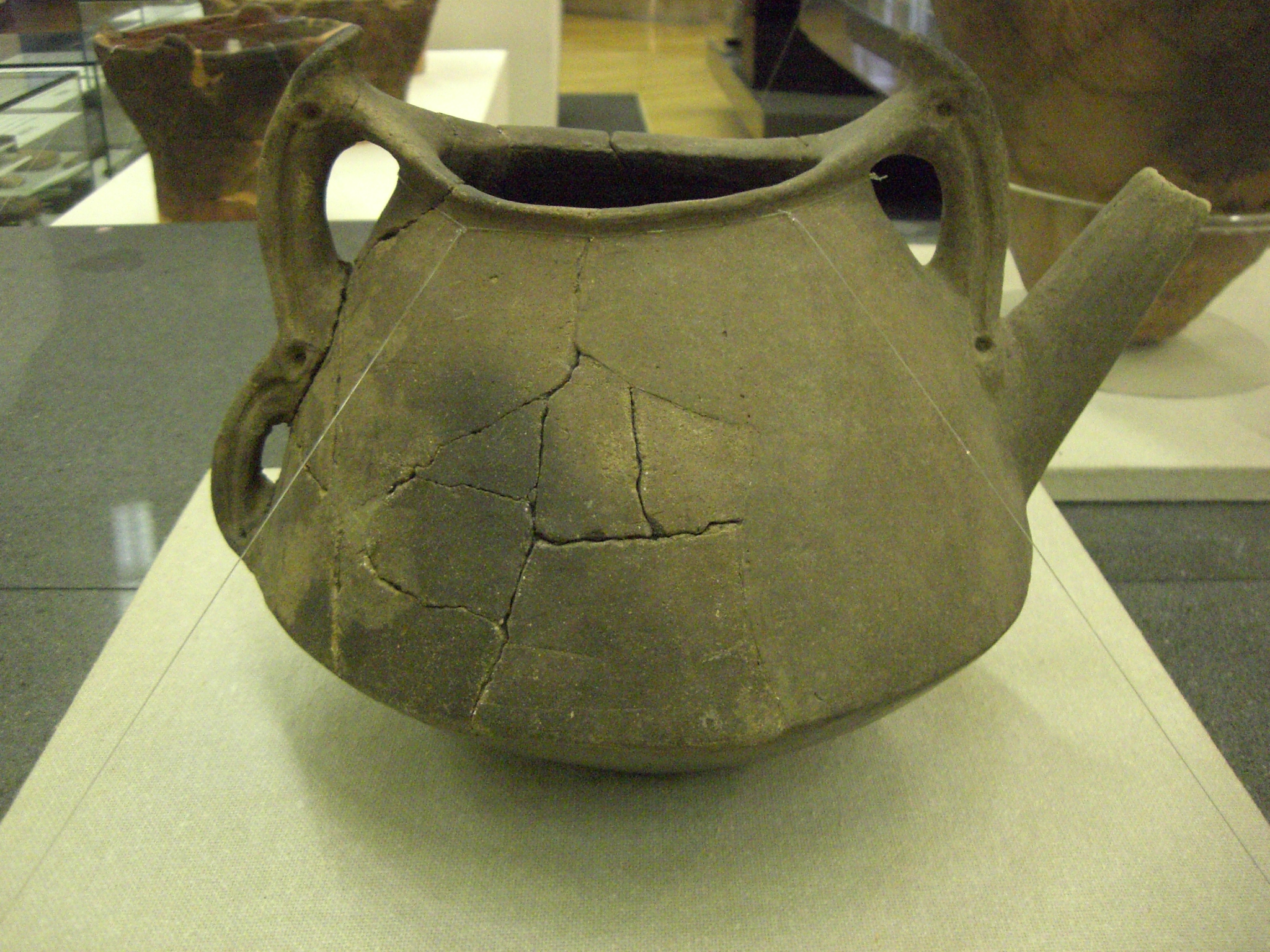 The different types of vessels are divided by some experts into four main  categories  deep bowls and jars  shallow bowls  vessels with narrow mouth  and. Types of pottery and how to make a Jomon pot   Heritage of Japan