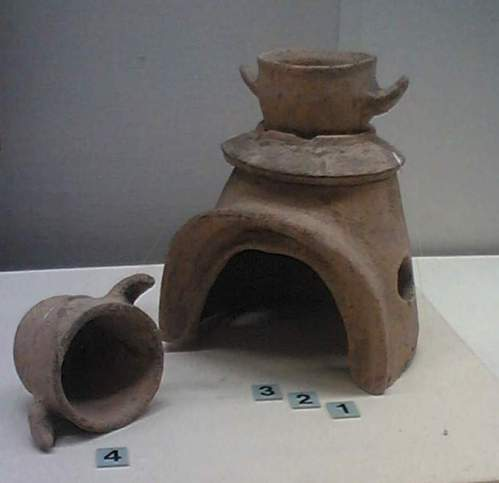 Miniature kamado from an ancient burial mound