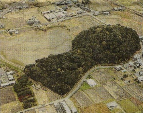 The Hashihaka tomb in Sakurai, Nara Prefecture, which archaeologists using radiocarbon dating say was built between 240 and 260 (Yomiuri Shimbun file photo)