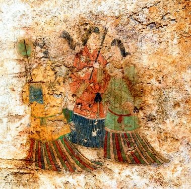 Mural paintings of 'Auka beauties', a group of female figures found on the mural wall of the stone chamber in the Takamatsuzuka burial mound in Asuka Nara Prefecture, are shown in this photo taken in August 2013 after being cleaned (Provided by the Agency for Cultural Affairs)