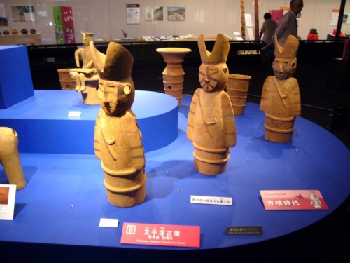 Haniwa figurines of men in unusual headgear Taijizuka tumulus, Gunma